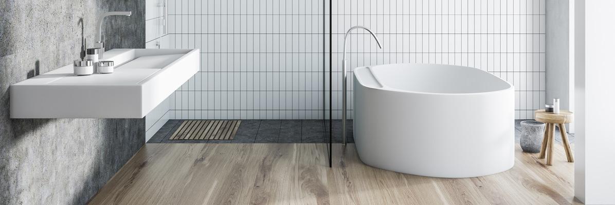 nowoczesna, jasna łazienka z wolnostojącą wanną