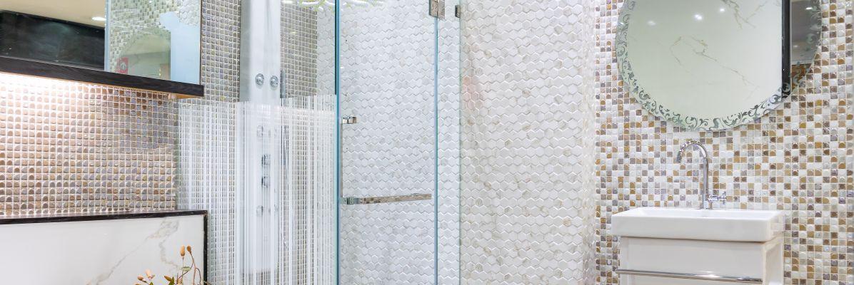 Jakie szkło do kabiny prysznicowek