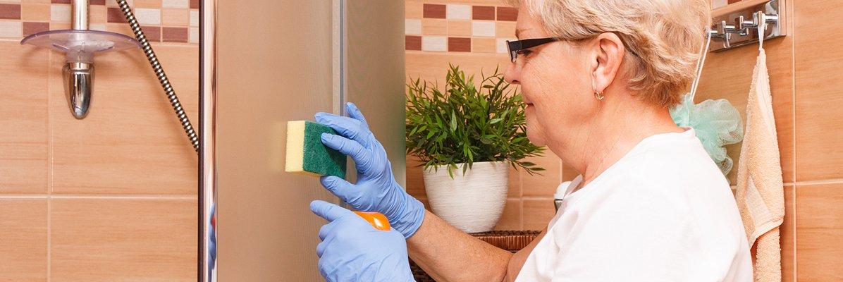 aranzacja czyszczenie kabiny prysznicowej