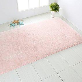 Modne dywaniki łazienkowe – 5 najnowszych trendów