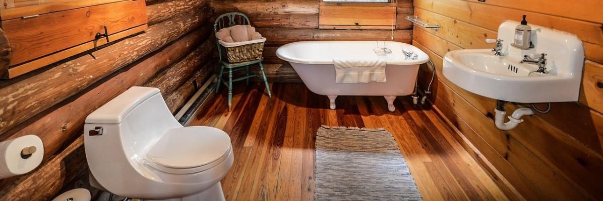 Niskobudżetowa łazienka w stylu rustykalnym