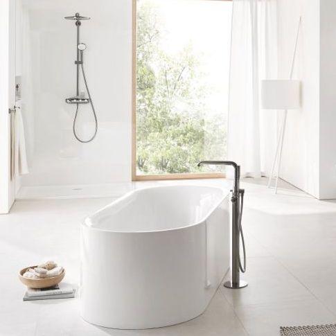 Nowoczesna łazienka w jasnych barwach
