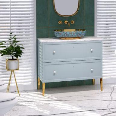 Złoto i rośliny w łazience