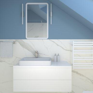Mała łazienka ze skosem i marmurowymi kaflami