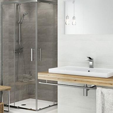 Minimalistyczna łazienka z prysznicem i nowoczesną armaturą