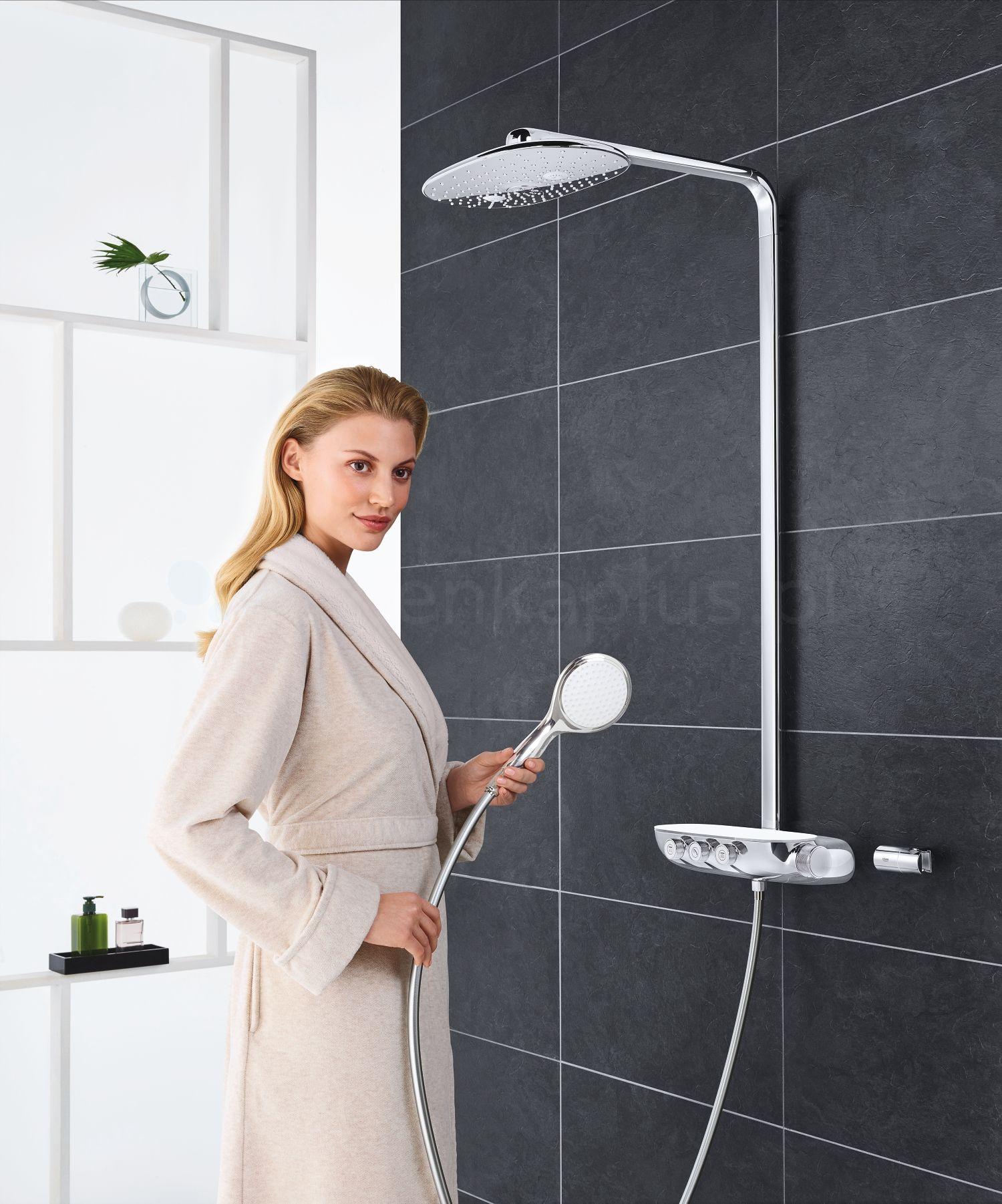 Grohe zestaw prysznicowy w czarno-białej łazience