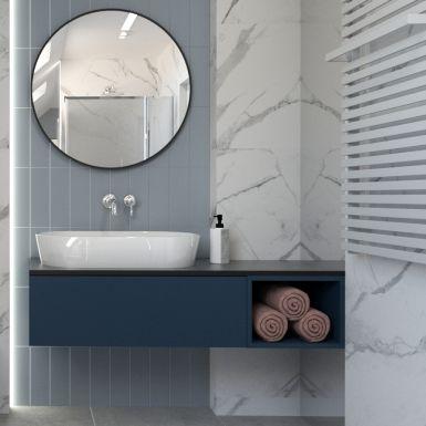 Łazienka na poddaszu z marmurowymi kaflami