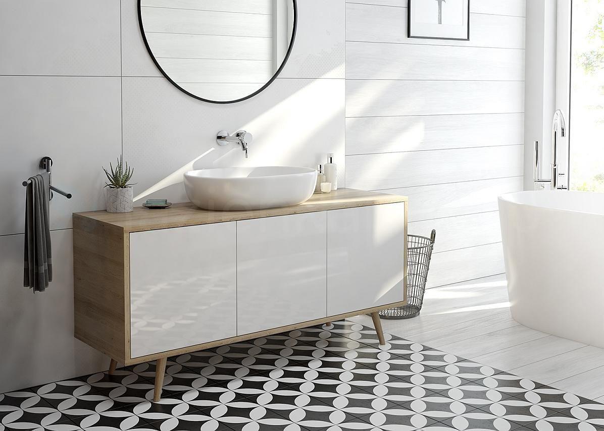 Skandynawska łazienka z białą umywalką nablatową